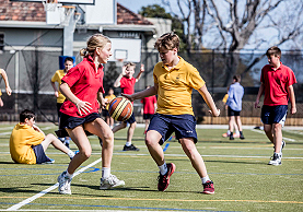 Melbourne Grammar School children playing sport